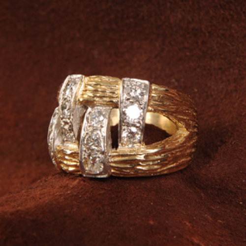 man's 14k gold ring
